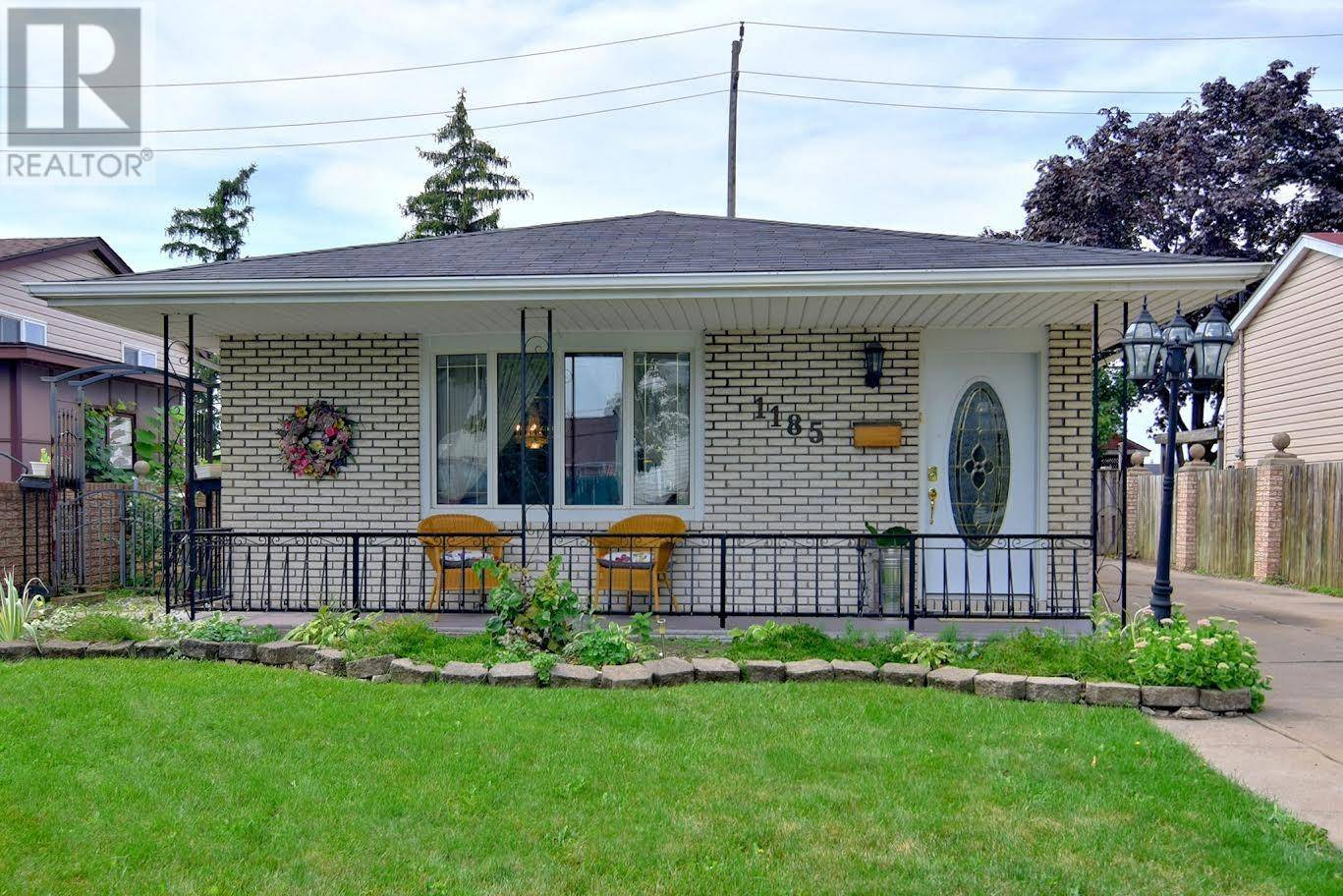House for sale at 1185 California  Windsor Ontario - MLS: 19025168