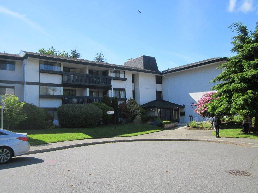 Buliding: 1561 Vidal Street, White Rock, BC