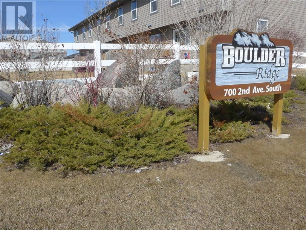 For Sale: 700 2nd Ave S, Martensville,  | 2 Bed, 1 Bath Townhouse for $179,900. See 16 photos!