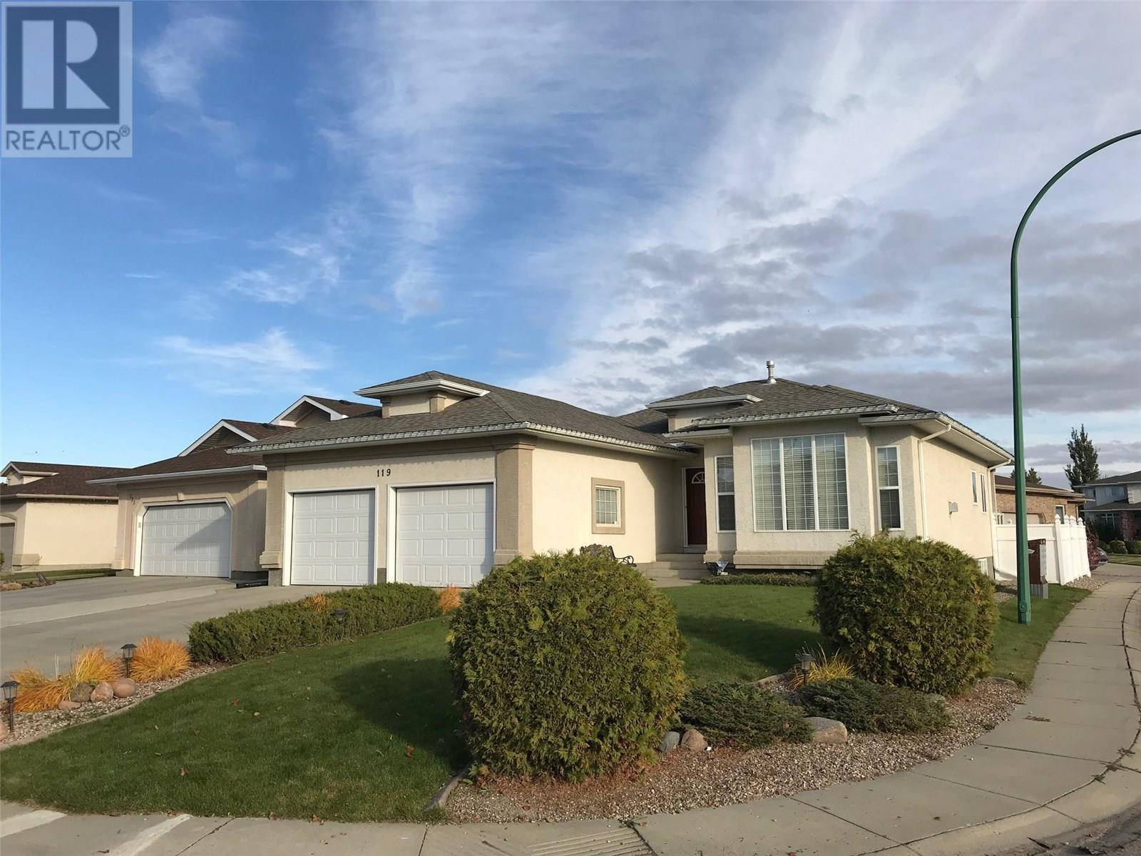 House for sale at 119 Beechmont Cres Saskatoon Saskatchewan - MLS: SK778589
