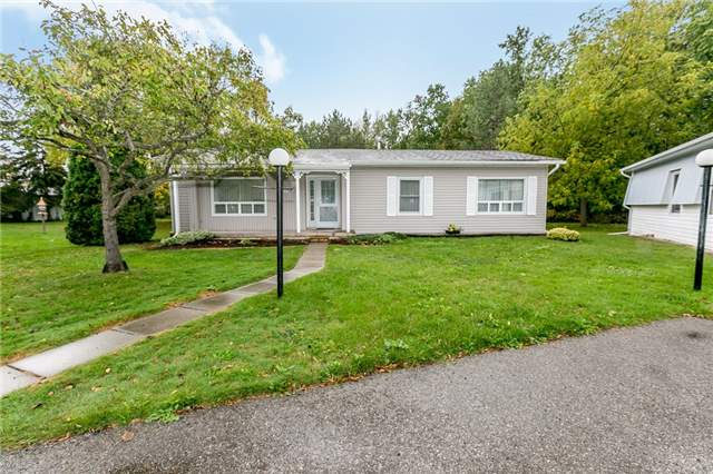 For Sale: 119 Linden Lane, Innisfil, ON   2 Bed, 2 Bath House for $229,000. See 20 photos!