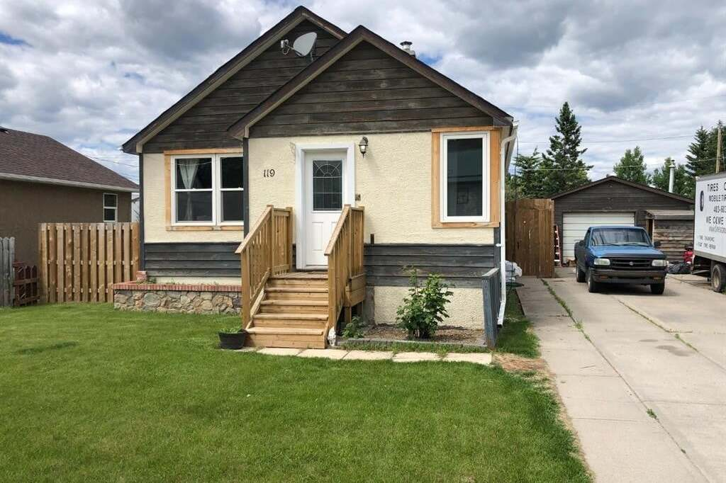 House for sale at 119 Sherwood Dr Hinton Alberta - MLS: A1006118