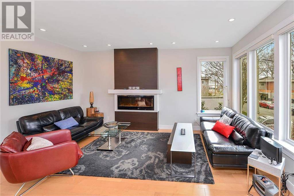 119 St. Lawrence Street, Victoria | Image 2
