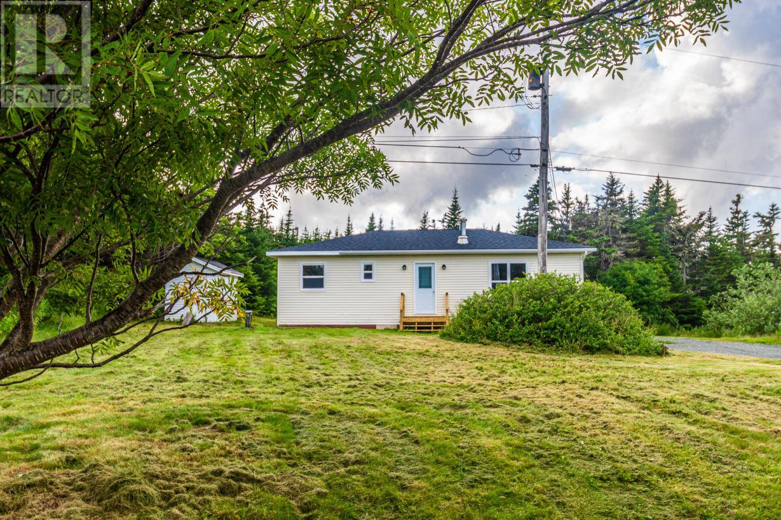 House for sale at 1194 Portugal Cove Rd Portugal Cove - St. Phillip's Newfoundland - MLS: 1207740