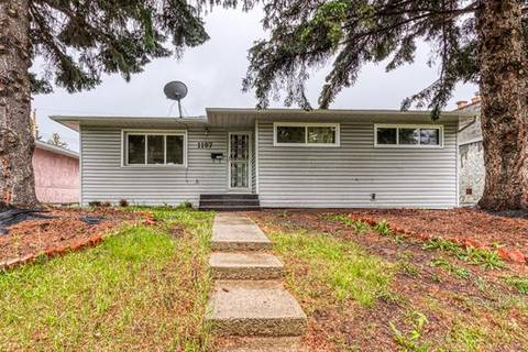 House for sale at 1197 Northmount Dr Northwest Calgary Alberta - MLS: C4256950