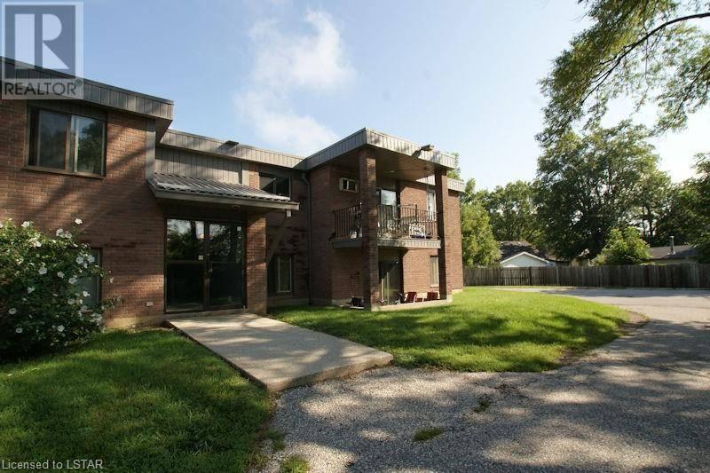 Condo for sale at 107 Montgomery Dr Unit 12 Wallaceburg Ontario - MLS: 246411