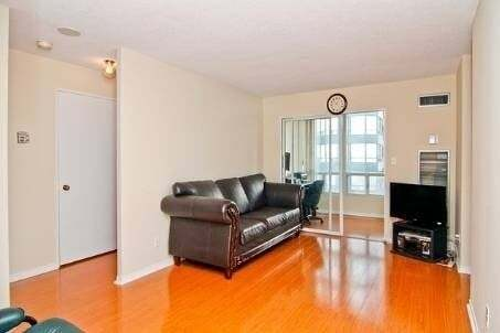 Apartment for rent at 155 Hillcrest Ave Unit 412 Mississauga Ontario - MLS: W4769049