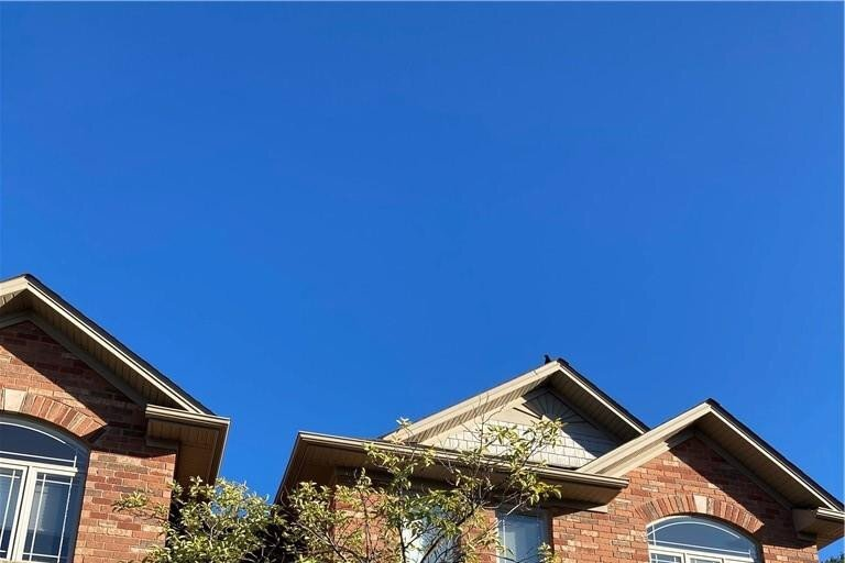 Townhouse for rent at 218 Plains Rd E Unit 12 Burlington Ontario - MLS: H4089075