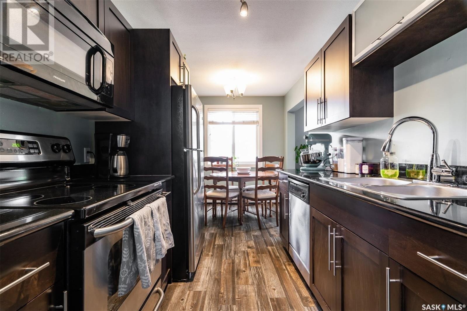 Condo for sale at 2301 7th St E Unit 12 Saskatoon Saskatchewan - MLS: SK834685