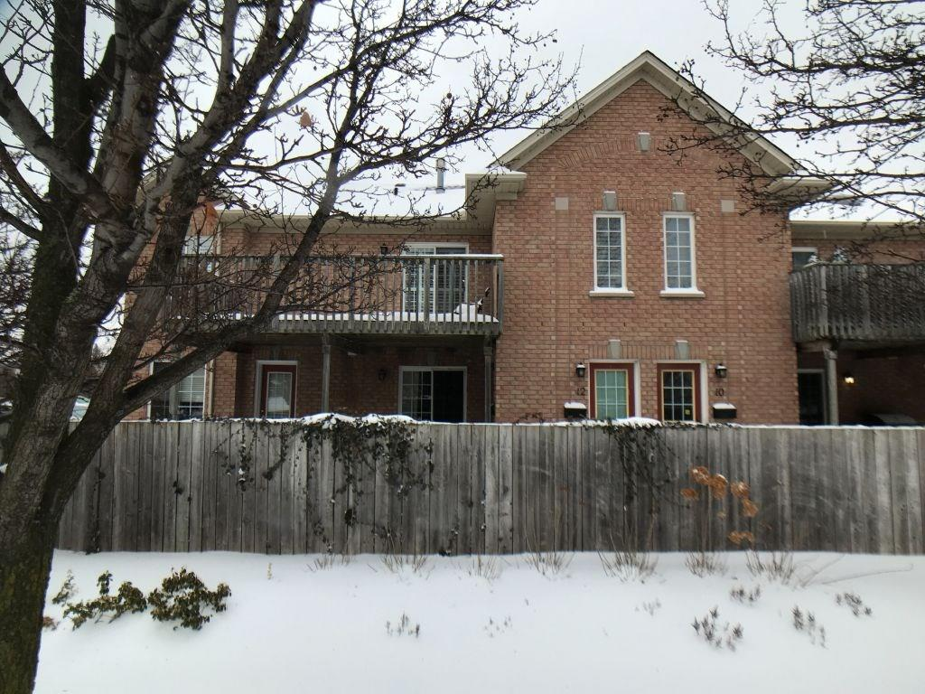 Buliding: 2333 Walkers Line, Burlington, ON
