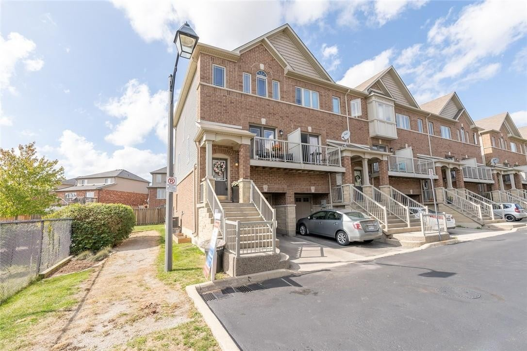 Townhouse for sale at 25 Viking Dr Unit 12 Binbrook Ontario - MLS: H4088586