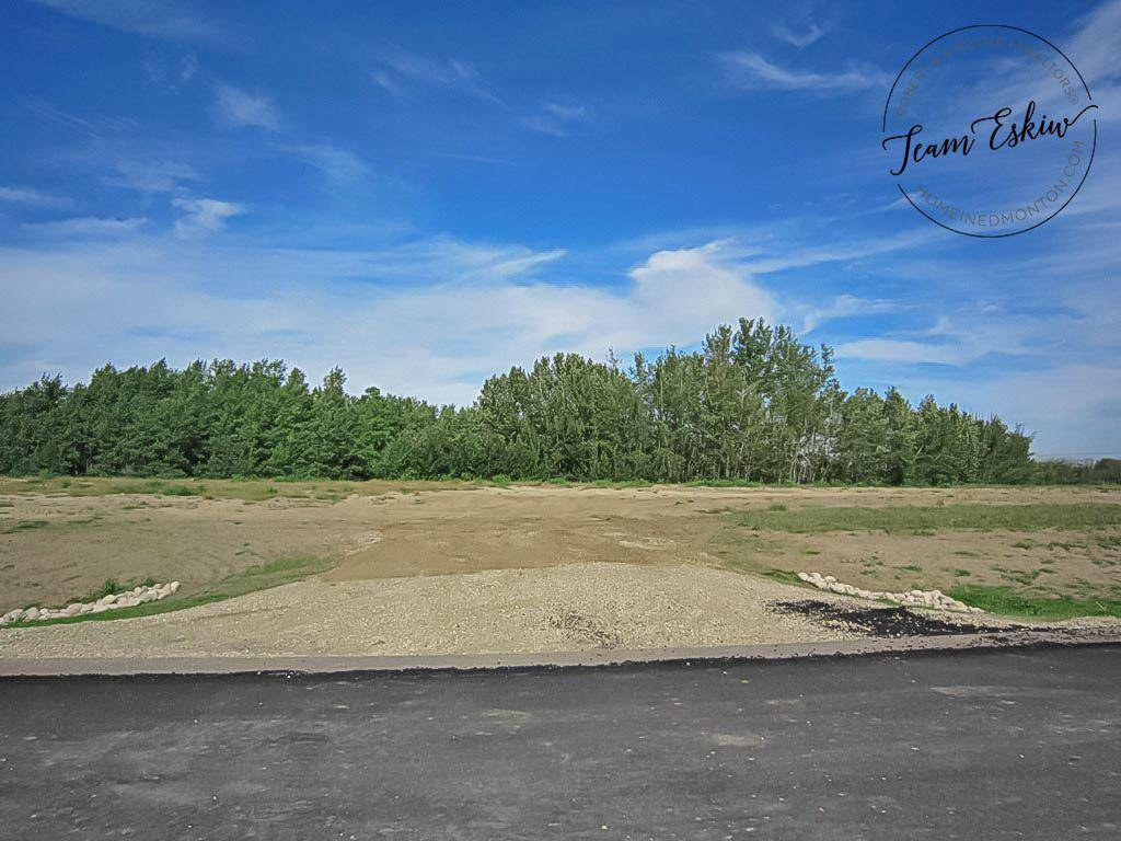 Buliding: 26107 Twp Road, Rural Parkland County, AB