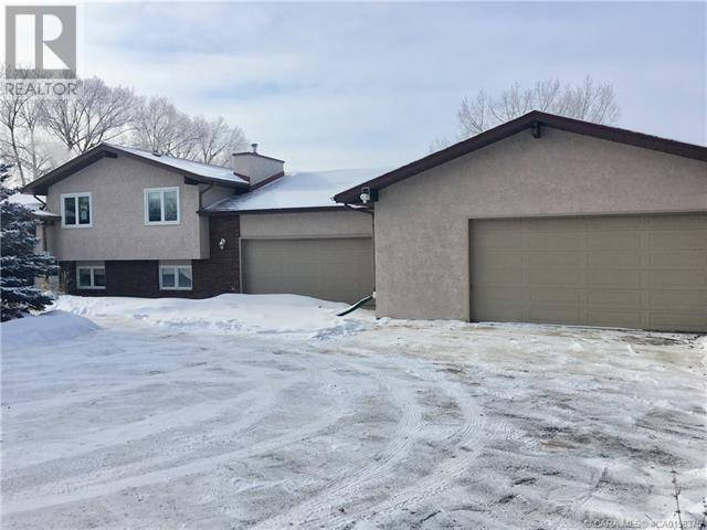 House for sale at 26534 Township Rd Unit 12 Red Deer County Alberta - MLS: ca0174852