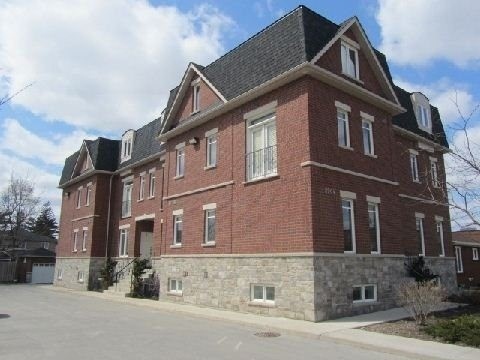 2964 Islington Townhomes Condos: 2964 Islington Avenue, Toronto, ON