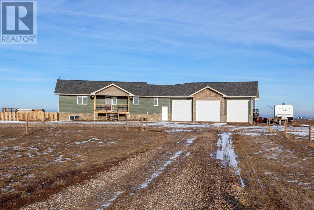 House for sale at 7228 Township Rd Unit 12 Rural Cypress County Alberta - MLS: mh0184531