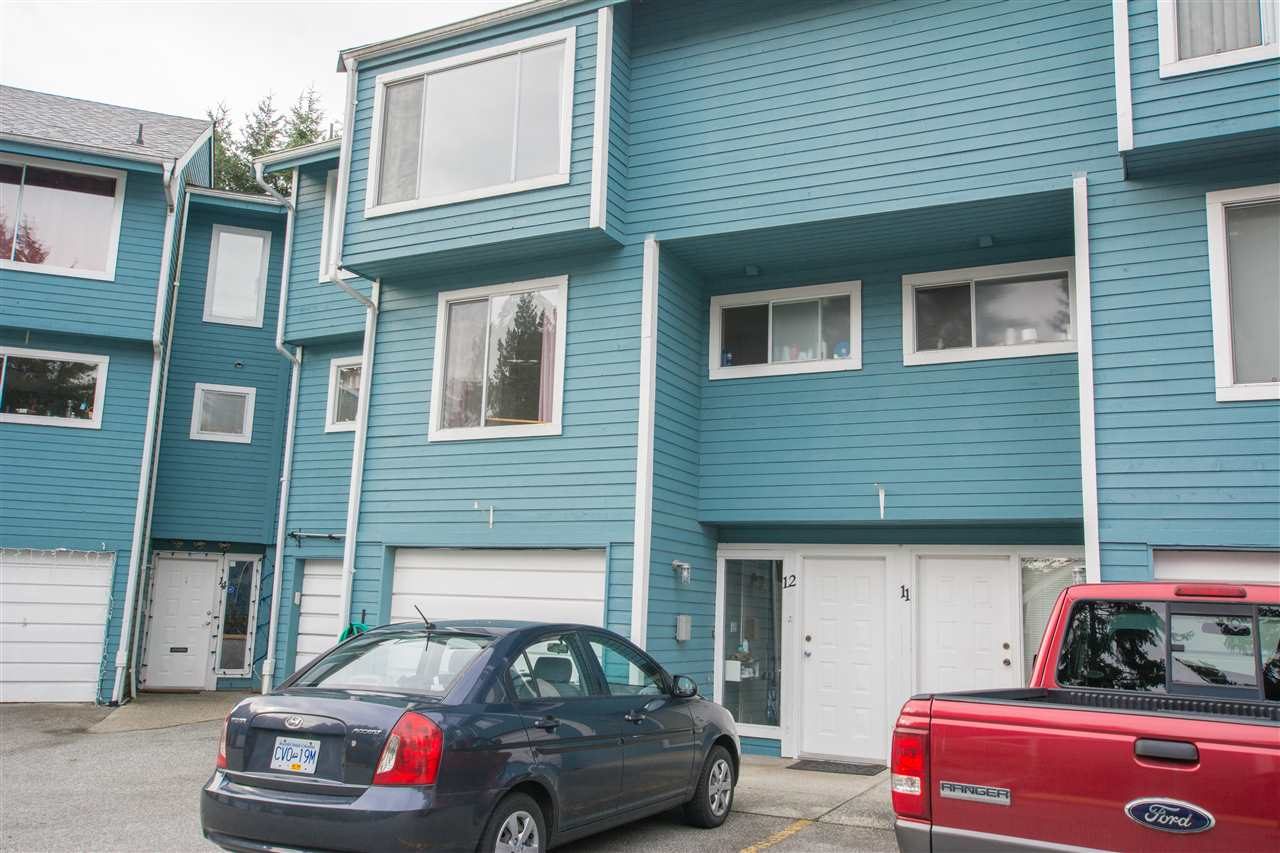 Buliding: 822 Gibsons Way, Gibsons, BC