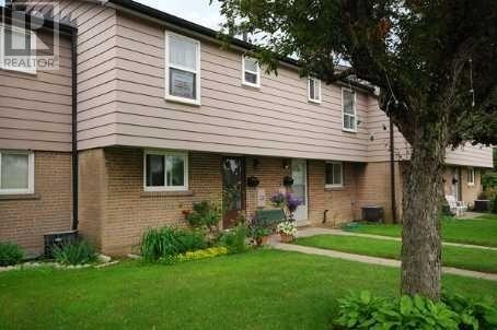 Buliding: 925 Bayly Street, Pickering, ON