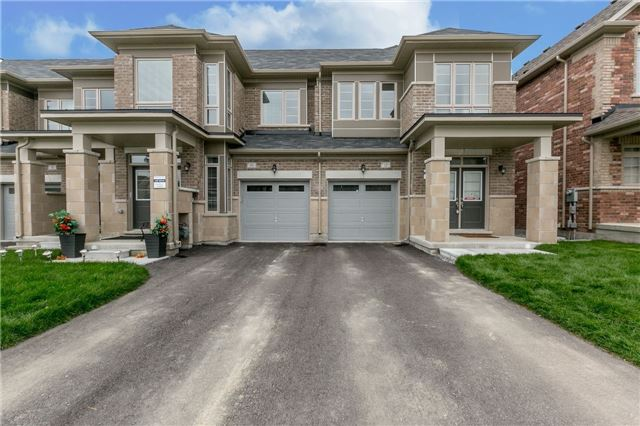 For Sale: 12 Constable Street, Aurora, ON   3 Bed, 3 Bath Townhouse for $839,000. See 20 photos!
