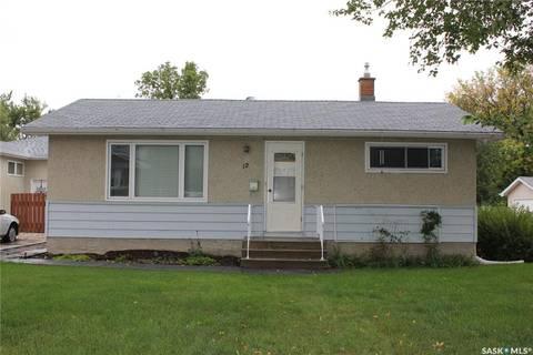 House for sale at 12 Eden Ave Regina Saskatchewan - MLS: SK788334