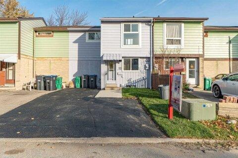 Townhouse for sale at 12 Glencastle Sq Brampton Ontario - MLS: W5000304