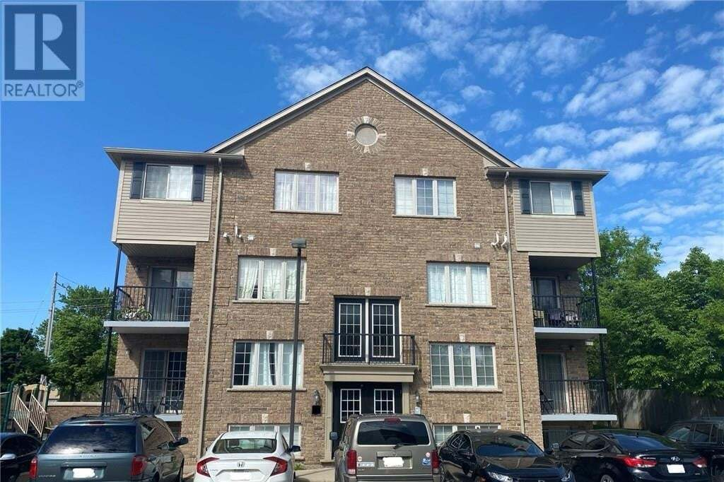 Townhouse for rent at 12 Holborn Dr Kitchener Ontario - MLS: 30810063