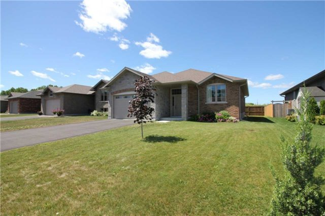 House for sale at 12 Kawartha Court Belleville Ontario - MLS: X4189640