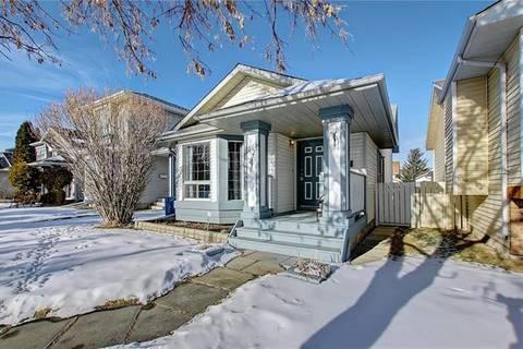 House for sale at 12 Martinwood Me Northeast Calgary Alberta - MLS: C4282194