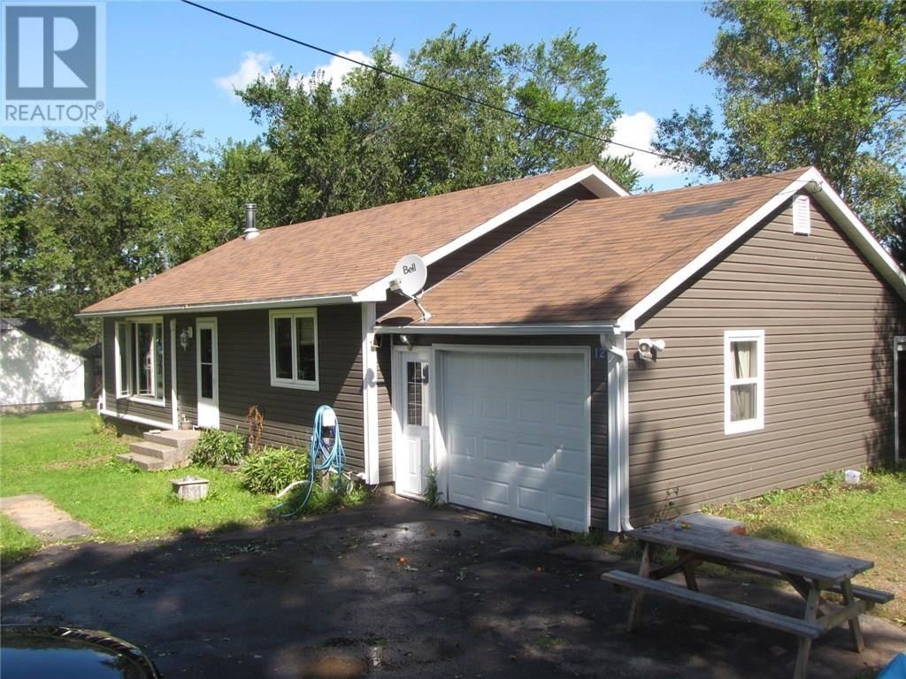 House for sale at 12 Spring St Petitcodiac New Brunswick - MLS: M125404