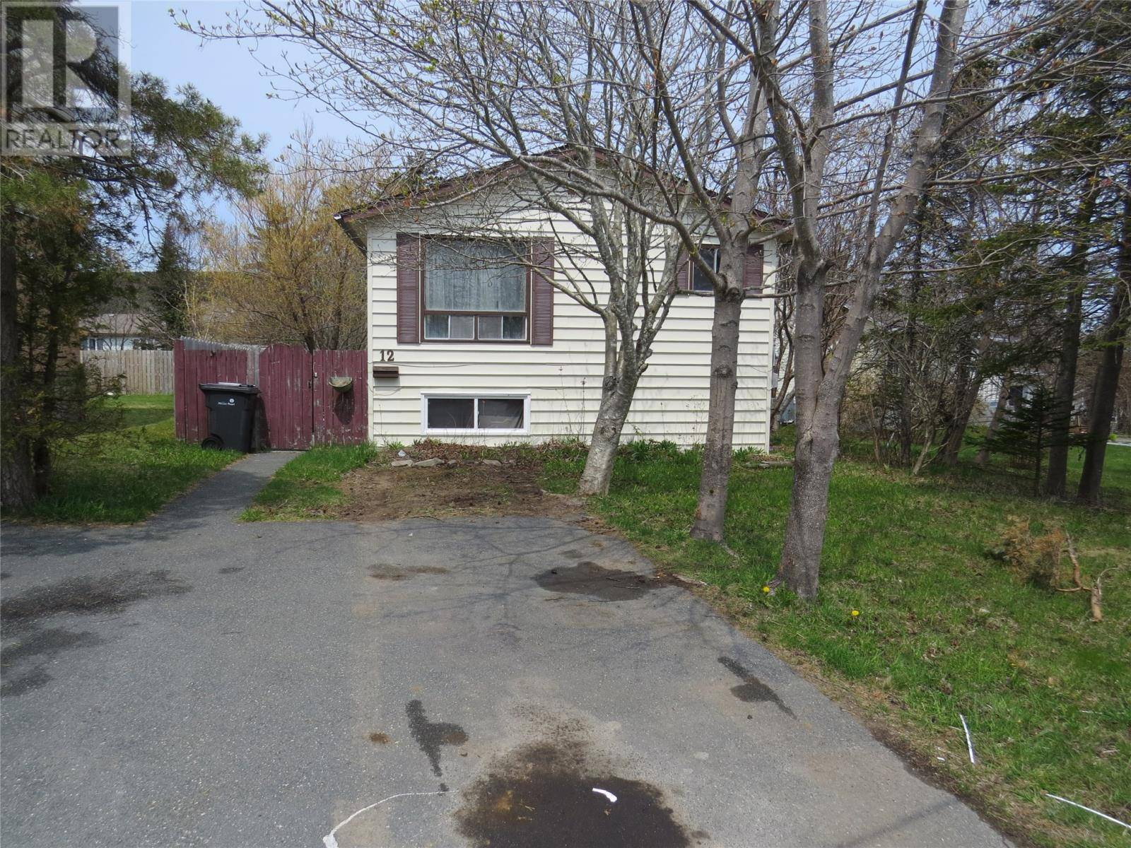 House for sale at 12 Spruce Ave Mount Pearl Newfoundland - MLS: 1197077