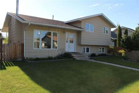 House for sale at 120 Centre St Strathmore Alberta - MLS: C4300627