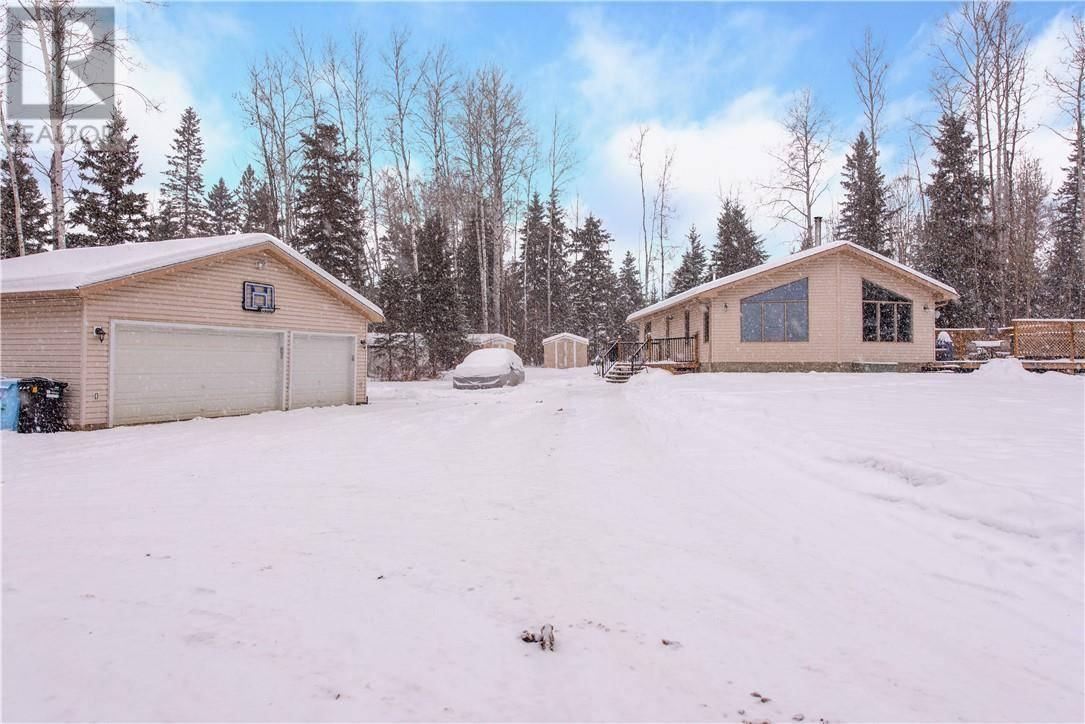 House for sale at 120 Community Ln Fort Mcmurray Alberta - MLS: fm0184337
