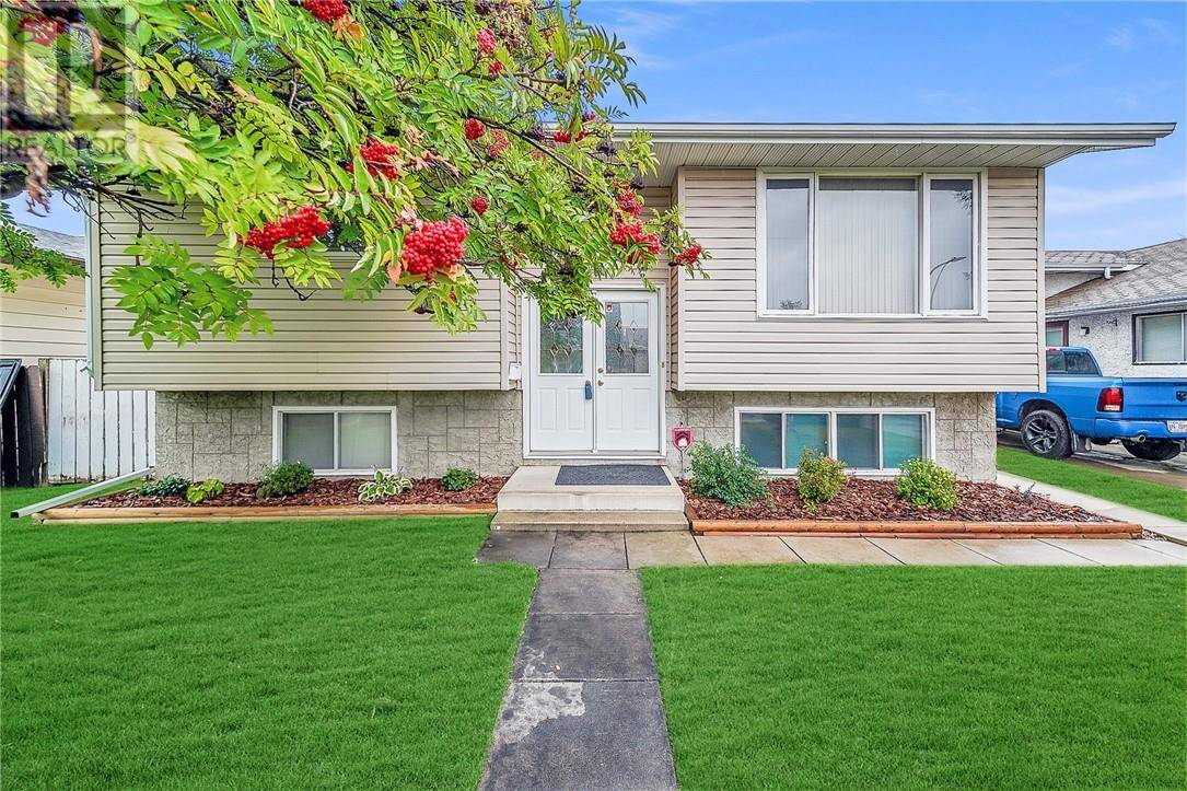 House for sale at 120 Haliburton Cres Red Deer Alberta - MLS: ca0180119