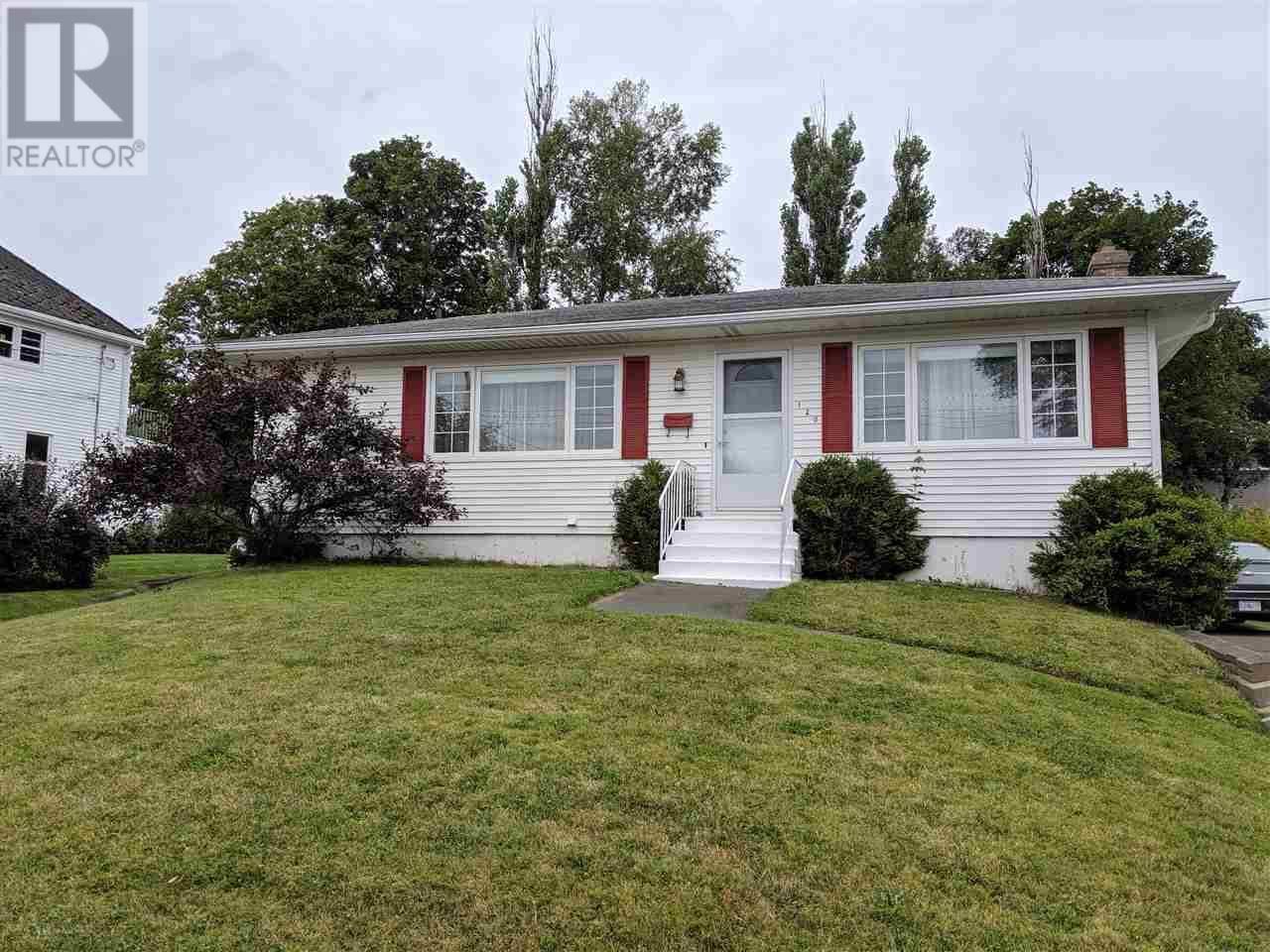 House for sale at 120 Herbert St New Glasgow Nova Scotia - MLS: 201920680