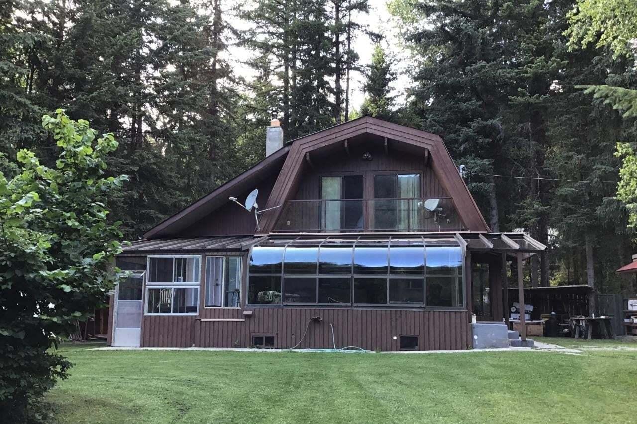 House for sale at 120 Roderick Avenue  Jewel Lake British Columbia - MLS: 2450913