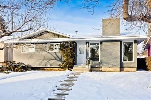 House for sale at 120 Rundleridge Dr Northeast Calgary Alberta - MLS: C4282354