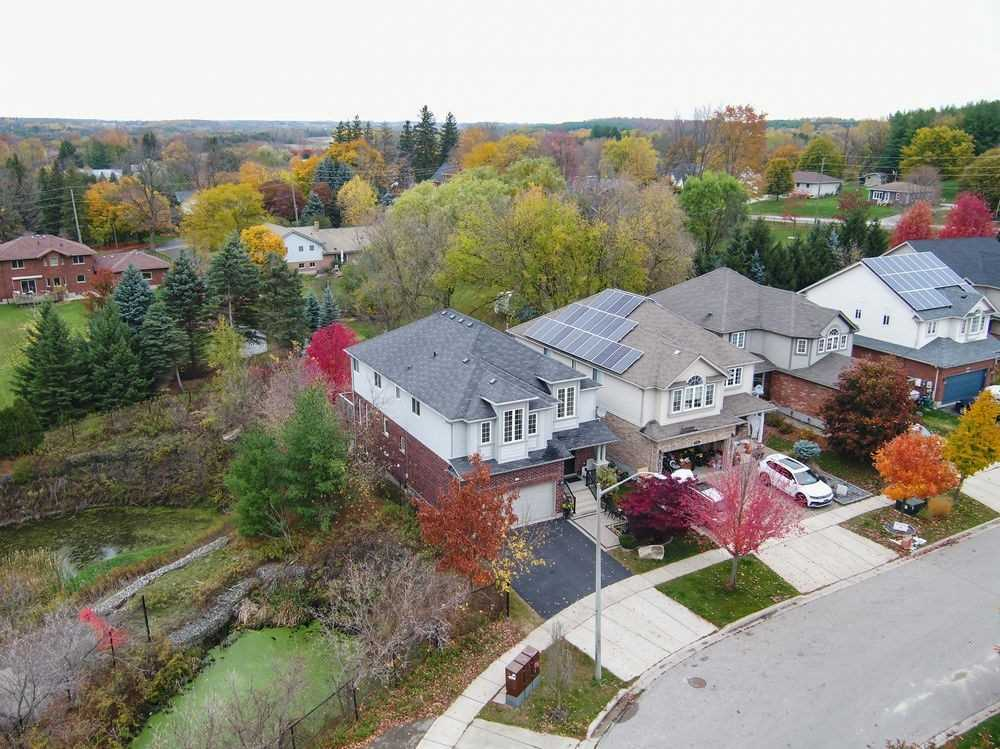 For Sale: 120 Skipton Crescent, Cambridge, ON | 4 Bed, 3 Bath House for $799000.00. See 37 photos!