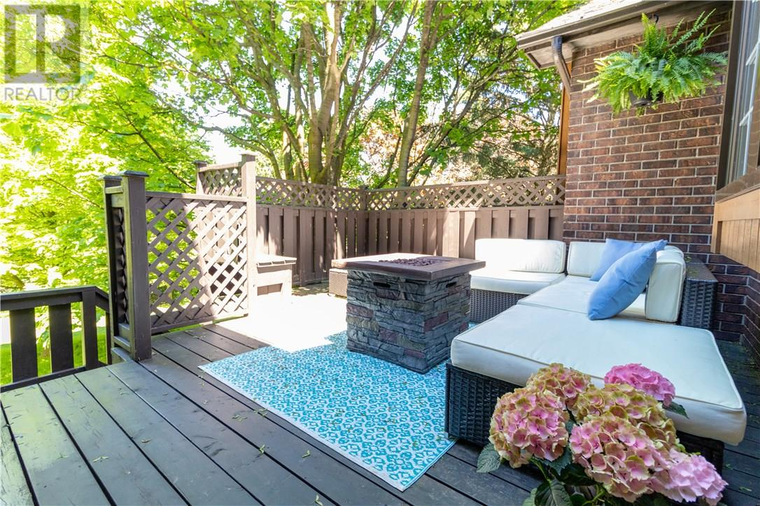Removed: 120 Woodbend Crescent, Waterloo, ON - Removed on 2019-06-24 05:39:04
