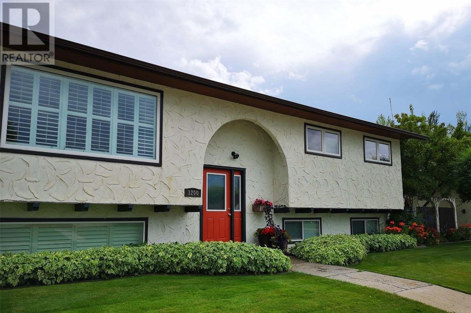 House for sale at 1200 1st St W Nipawin Saskatchewan - MLS: SK809657