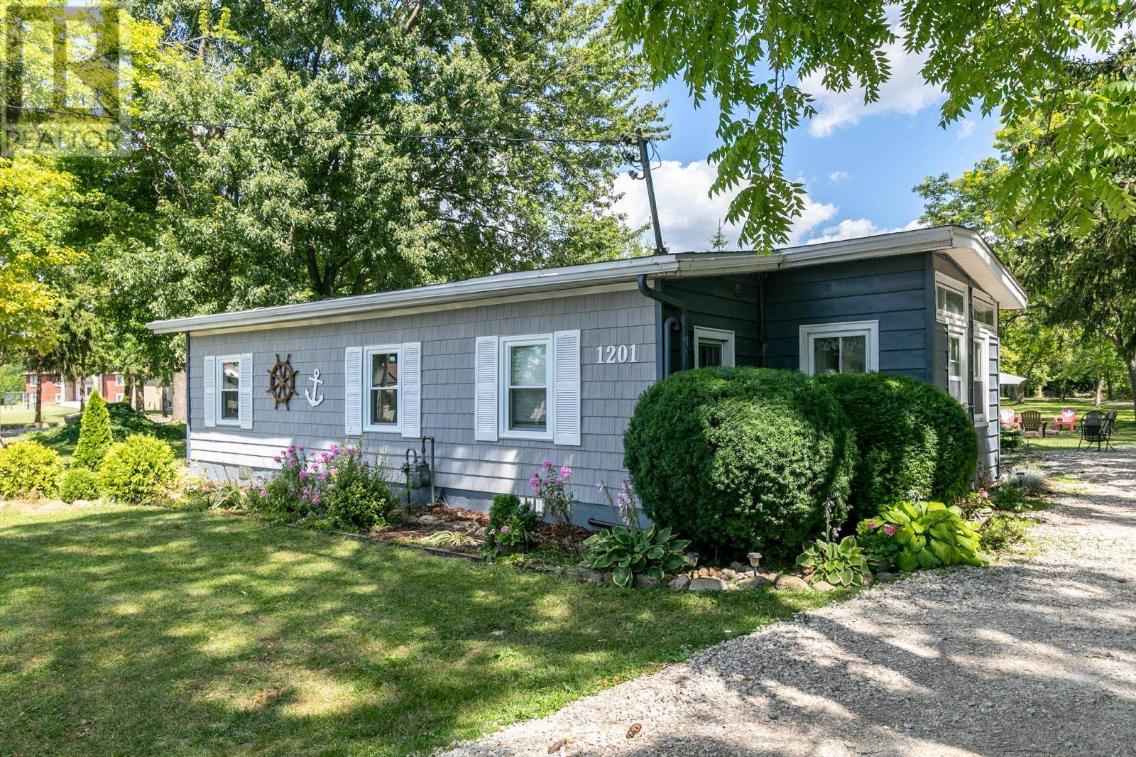 House for sale at 1201 Front Rd North Amherstburg Ontario - MLS: 19023655