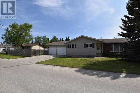 House for sale at 1201 Lawrence St Nipawin Saskatchewan - MLS: SK774193