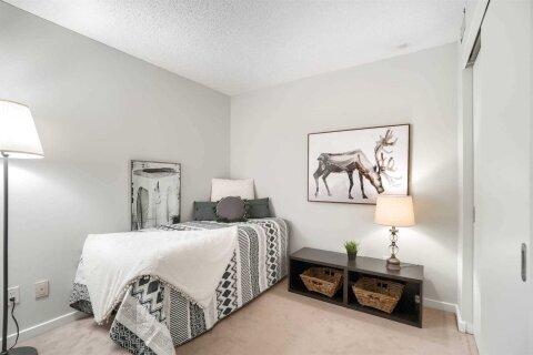 Apartment for rent at 8 York St Unit 1202 Toronto Ontario - MLS: C4973398