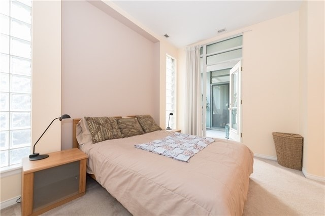 For Rent: 1206 - 7 King Street, Toronto, ON   2 Bed, 2 Bath Condo for $3,400. See 11 photos!