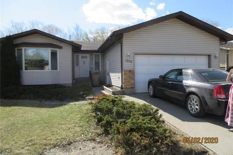 House for sale at 1206 Devonshire Dr N Regina Saskatchewan - MLS: SK806539