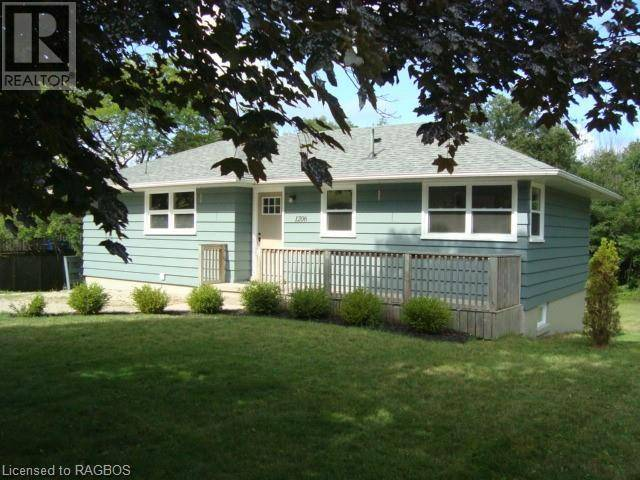 House for sale at 1206 Queen St Kincardine Ontario - MLS: 214762