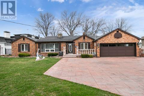 House for sale at 12062 Riverside Dr East Tecumseh Ontario - MLS: 19017370