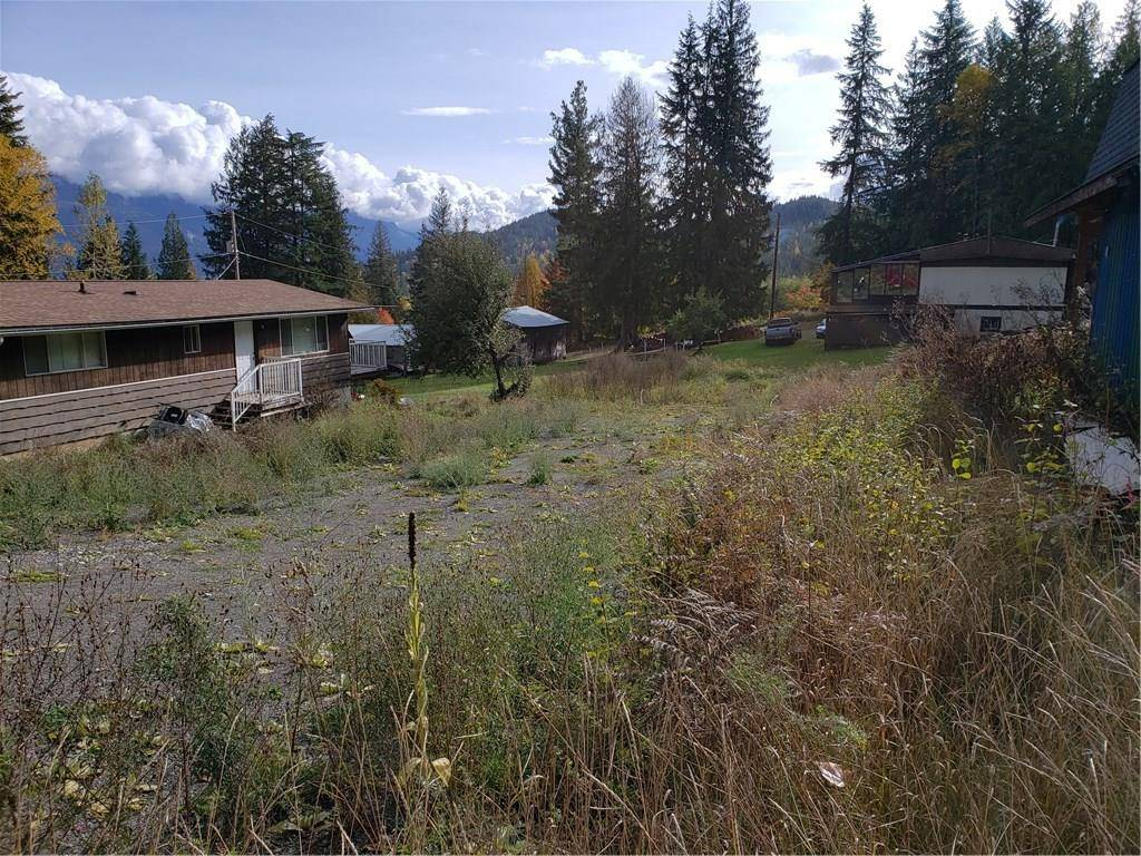 Residential property for sale at 1207 B Avenue Ave Kaslo British Columbia - MLS: 2441758