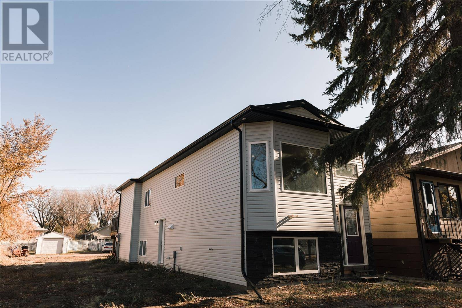 House for sale at 1208 K Ave S Saskatoon Saskatchewan - MLS: SK793312