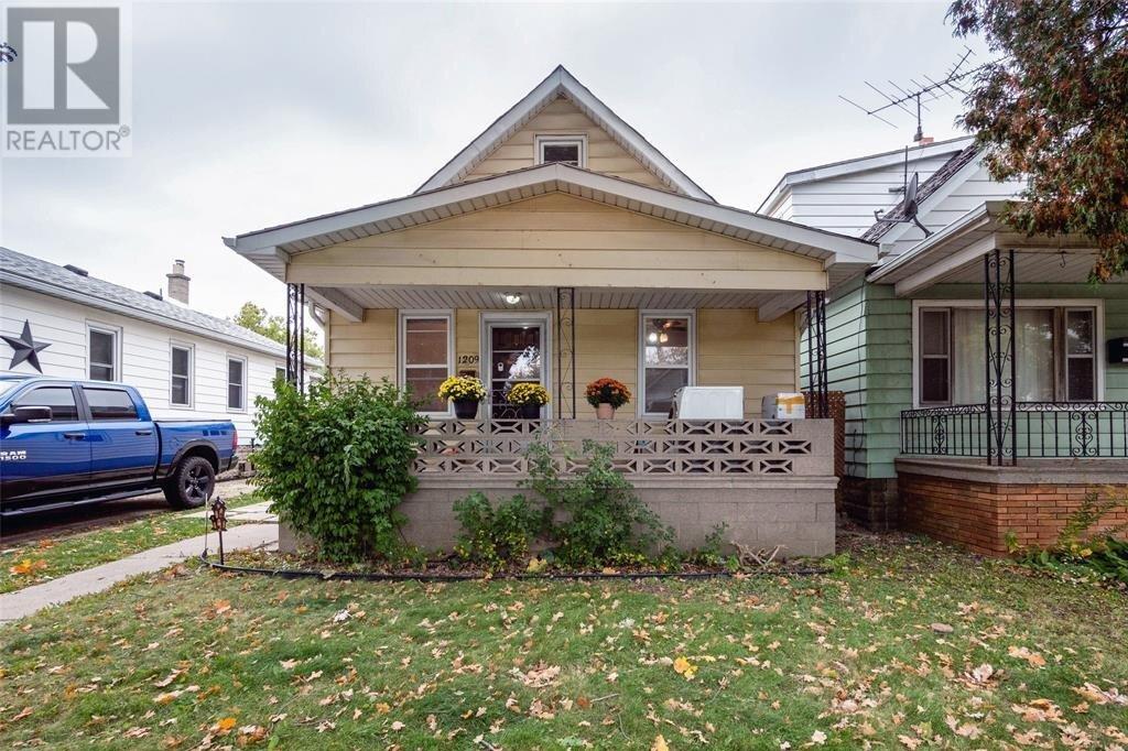 House for sale at 1209 Albert  Windsor Ontario - MLS: 20015045