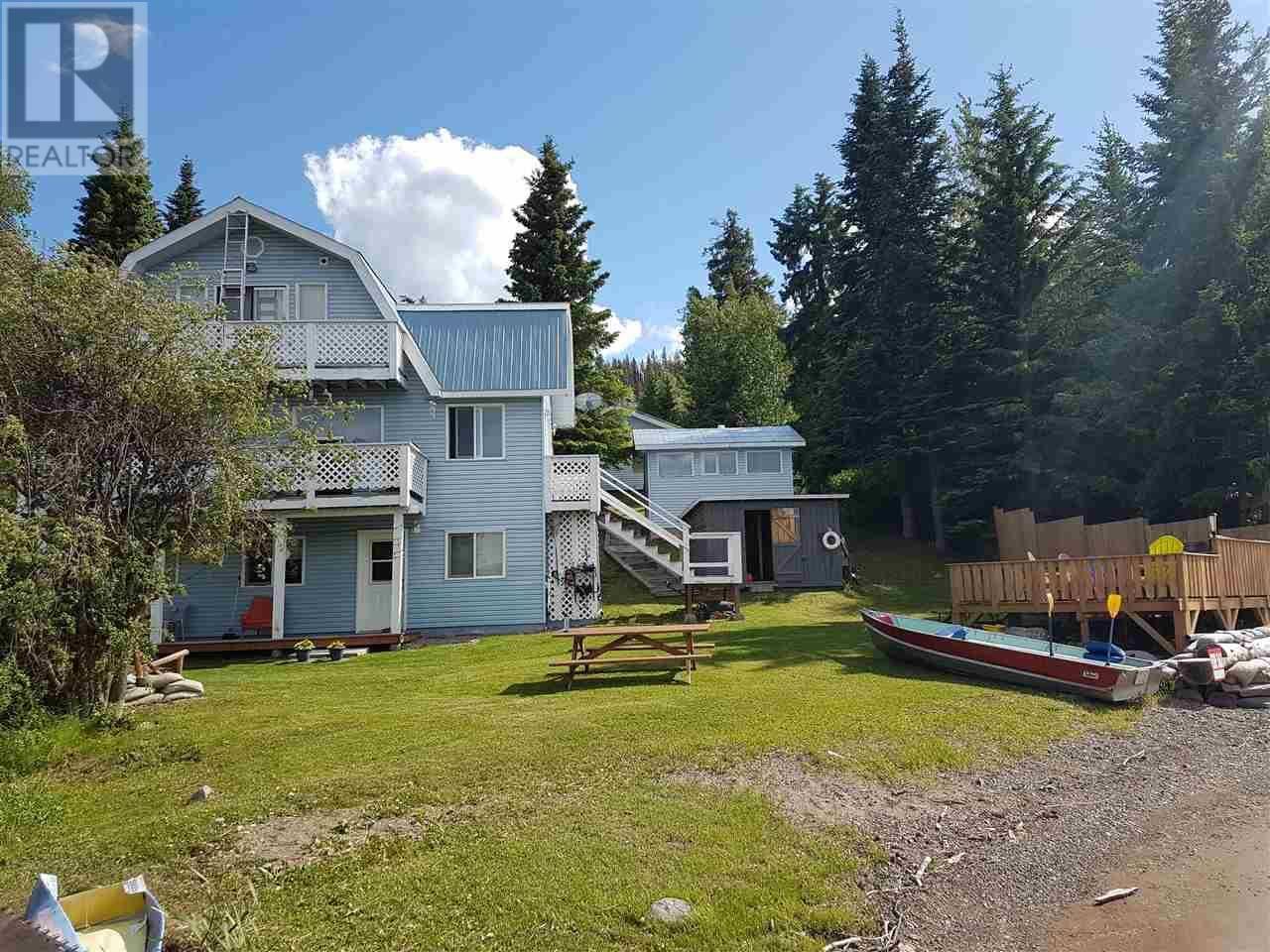 House for sale at 12098 Dahlgren Rd Fraser Lake British Columbia - MLS: R2382619