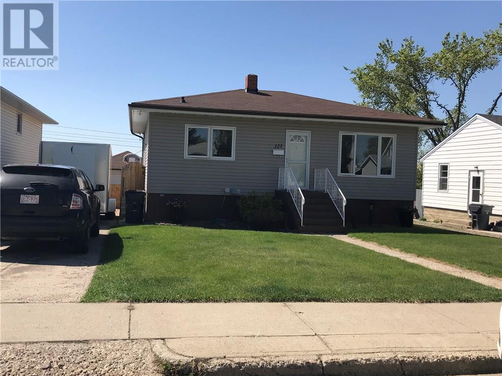 For Sale: 121 - 11 Street Sw, Medicine Hat, AB | 3 Bed, 2 Bath House for $238,000. See 20 photos!